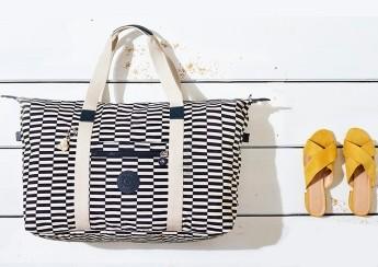 Na pláž se stylovými taškami