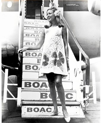 1967- Papírové šaty