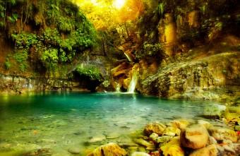 27 přírodních tobogánů uprostřed tropického pralesa