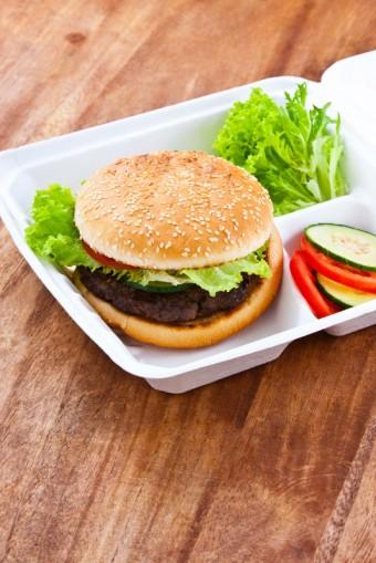 Jídlo objednané z restaurace Joe`s American Grill
