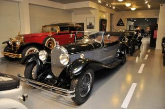 1929 Austro Daimler ADR Cabriolet a cervena 1931 Minerva AL