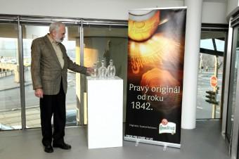 V Česku se vydražily nejdražší pivní láhve světa