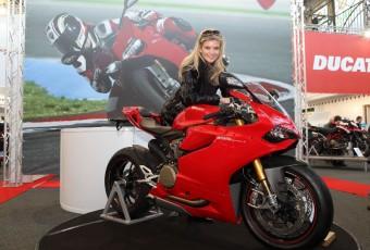 Motocykl 2015 - Miss Iveta Vítová