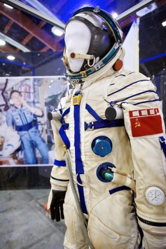 Ruský kosmický skafandr Sokol (v současné verzi s označením KV-2)