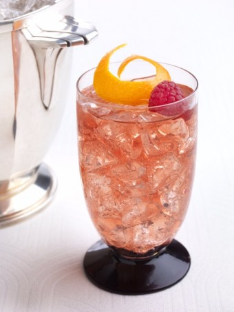 Cocktail Burgundy Spring Punch