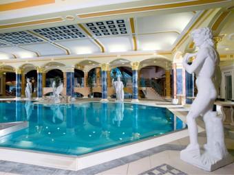 Léčebný a relaxační bazén (vnitřní), Lázně Rajecké Teplice