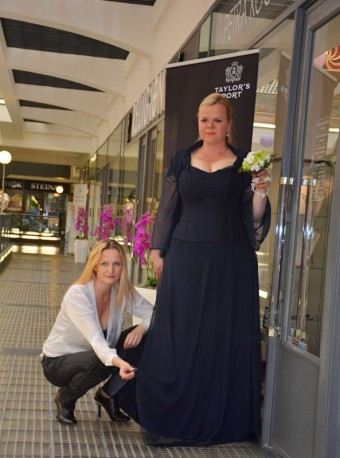 Sabina Remundová a poslední zkouška šatů před premiérou