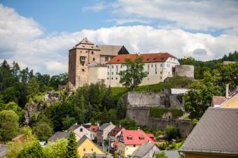 Zámek Bečov, Karlovy Vary jsou ideální destinací k odpočinku i poznávání, Bohemia-lázně, a. s.