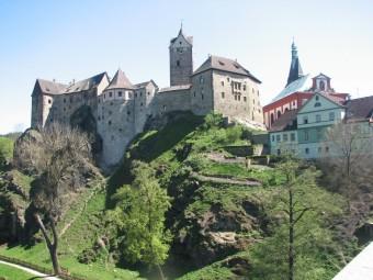 Hrad Loket, Karlovy Vary jsou ideální destinací k odpočinku i poznávání, Bohemia-lázně, a. s.