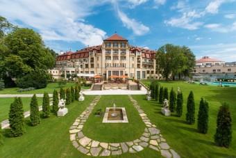 Thermia Palace, Lázeňský ostrov v Piešťanech