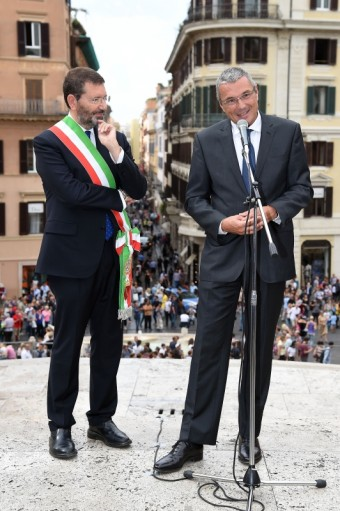 Ignazio Marino and Jean Christophe Babin, Bulgari a město Řím oznamují, že práce spojené s renovací Španělských schodů úspěšně začaly
