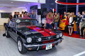 Společnost Ford AMB Praha otevřela první FordStore v České republice