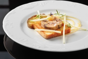 Kachní Foie Gras na domací briošce s jablky, Park Hotel Popovičky
