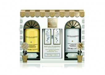 Baylis & Harding: Sweet Mandarin & Grapefruit (trio set). V síti parfumerií Marionnaud za cenu 299 Kč.