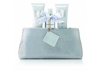 Baylis & Harding: Jojoba, Silk & Almond Oil. V síti parfumerií Marionnaud za cenu 549 Kč.