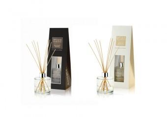 Baylis & Harding: Bytové parfémy. V síti parfumerií Marionnaud za cenu 699 Kč.