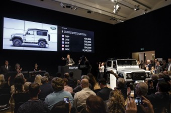 Aukční sín Bonhams, unikátní dvoumiliontý Land Rover Defender
