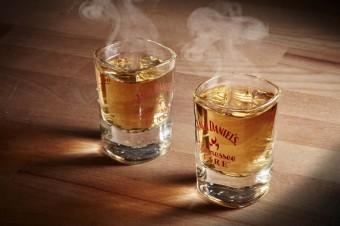 Zahřej se a rozjeď to s ohnivým panákem, Jack Daniel´s Fire