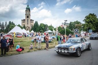 Unikátní motoristická show a výstava Legendy v anglickém parku Psychiatrické nemocnice Praha-Bohnice