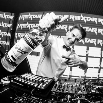DJ Roxtar a Stoli, Premier Wines & Spirits