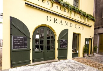 Grand Cru Restaurant & Bar, Premier Wines & Spirits