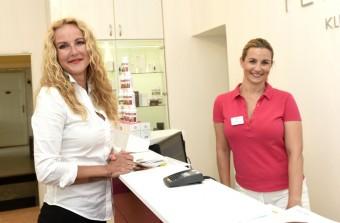 Vendula Pizingerová a koučka Monika Marešová, Petra Clinic