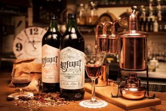 Altfernet z produkce Zámecké palírny Blatná, Premier Wines & Spirits