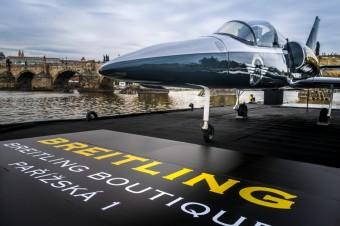 Letadlo Breitling L-39C Albatros, Luxury Brand Management