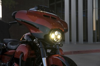 Motocykl Harley-Davidson CVO Street Glide 2017