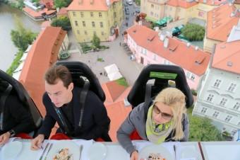 Večeře v oblacích, www.dinnerinthesky.cz