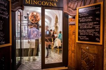 Vstup do restaurace Mincovna