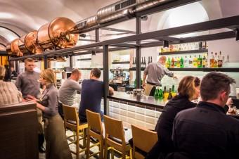 Bar v restauraci Mincovna