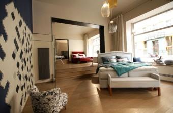 Los Kachlos HOME interiér s postelí Bedeur