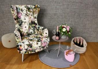 Vlastní řada nábytku Los Kachlos HOME s detailem La Botella