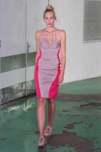 Na vlně: Kateřina Geislerová SS17, foto catwalk: MBPFW