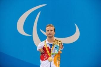 Arnošt Petráček, zlatý paralympik z České republiky v plavání
