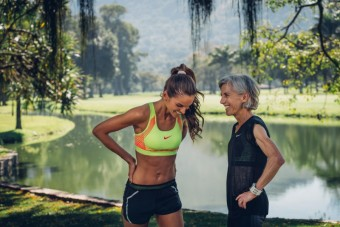 Iza Goulart a Joan Benoit Samuelson, Nike Beautiful x Powerful