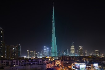 Burj Khalifa lit in the iconic Tiffany Blue, Tiffany & Co.