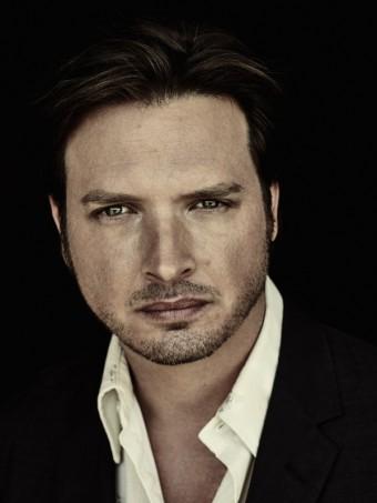 Aden Young jako Daniel Holden, zdroj fotek: Rectify, Sundance TV