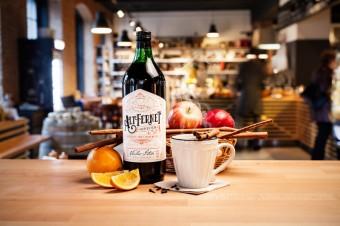 Bernardýn, bylinný Altfernet Spiced, Premier Wines & Spirits