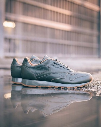 Reebok Classic Leather Lux ze série ´Red and Blue´, pro Reebok navrhl Kendrick Lamar