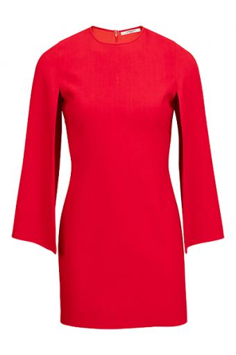 Červená barva zvýrazňující ženskost.