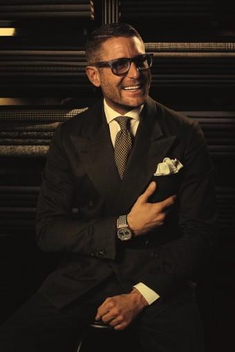 Lapo Elkann prezentující Classic Fusion Italia Independent.