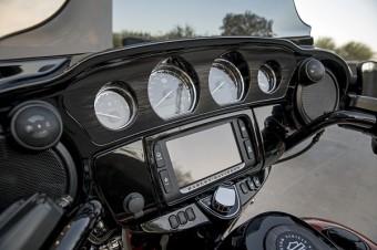 Touring motocykl Harley-Davidson.
