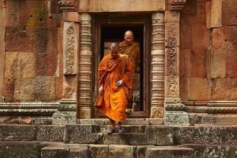 Mniši thajských chrámů.