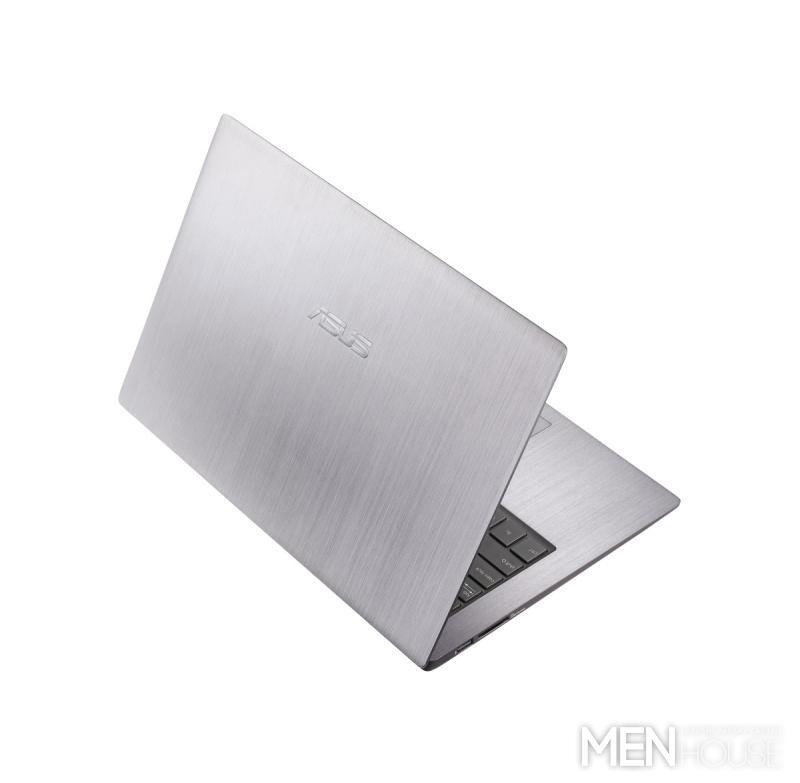 d4620c66b3 Tenký dotykový notebook ASUS U38N s procesorem AMD