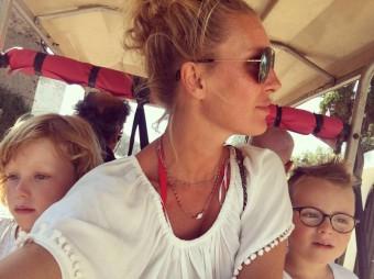 Simona Krainová s dětmi