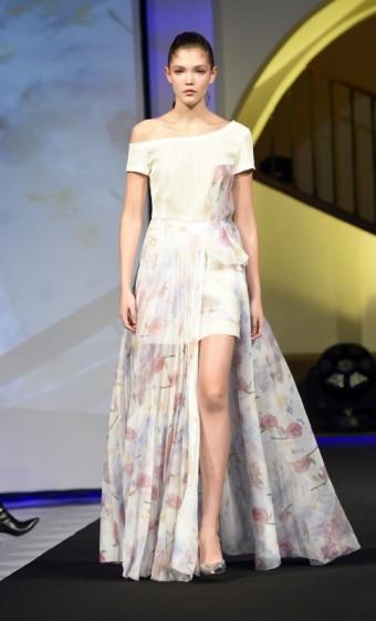 Šaty jako na panence vynesla Jana Tvrdíková, foto: Pink Carpet- Helping Dolls
