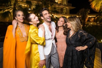 Jasmine SANDERS, Bella HADID, Jon KORTAJARENA, Alicia VIKANDER a Isabella FERRARI, otevření Bvlgari Resort Dubai, foto: David Atlan