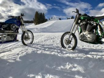 Sněžné závodní speciály Harley-Davidson